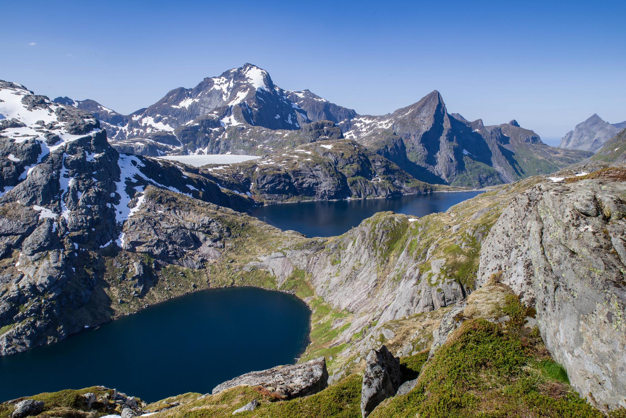 Noorwegen Senja gletsjer meer bergen sail hike wandelen zeilen