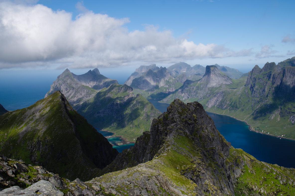 zeilen Noorwegen Lofoten Bergen zeilvakantie Noorse kust zeilreis Vesteralen wandelen sailing seglen Norway