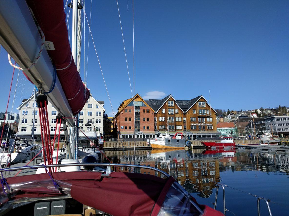 Tromso Noorwegen reistips citytrip SeaWind Adventures vakantie Scandinavie rondreis zeilexpeditie outdoor zeilen groepreis