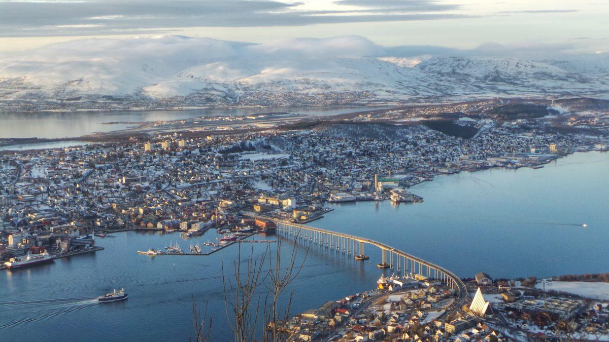 Zeilen Tromso noorwegen zeilvakantie sportief actief outdoor sailing norway koudetraining wimhofmethode ijsbad SeaWind Adventures